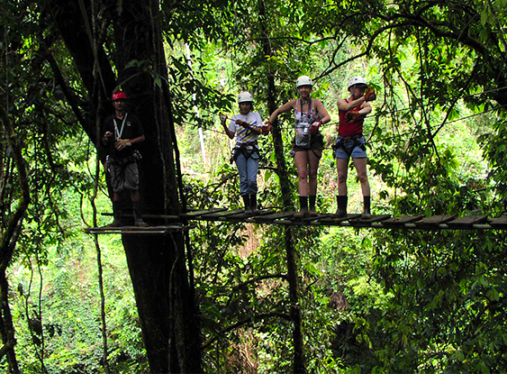 Zipline tour in the jungle of the Osa